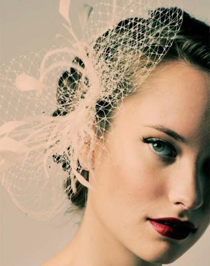 Sara Gabriel Veil with Feather