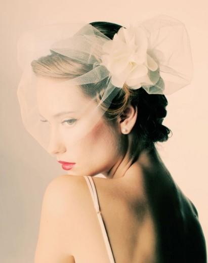 Sara Gabriel Cage Veil with Flower Detail