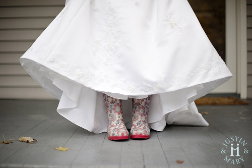 wedding-bride-rain-boots