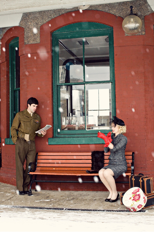 vintage-winter-love-story-they-meet-01
