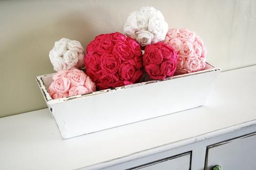 crepe-paper-flower-ball-diy-tutorial-17