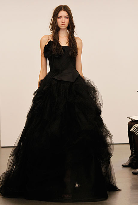 vera-wang-wedding-dresses-fall-2012-09