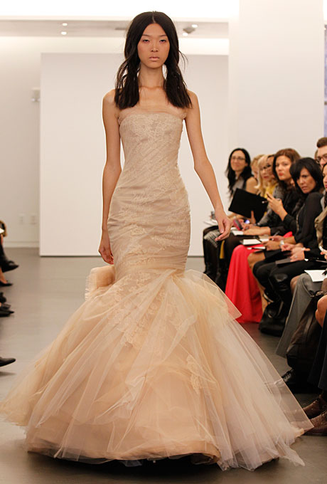 vera-wang-wedding-dresses-fall-2012-10